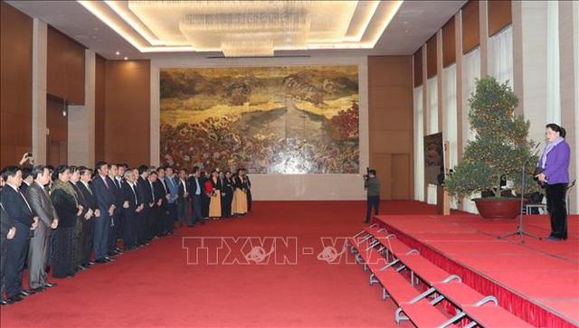 Chủ tịch Quốc hội chúc Tết lãnh đạo Quốc hội, người lao động Văn phòng Quốc hội - Ảnh 1.