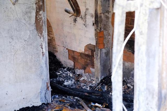 Thủ tướng chỉ đạo khẩn trương điều tra nguyên nhân vụ cháy làm 5 người chết tại TPHCM - Ảnh 1.