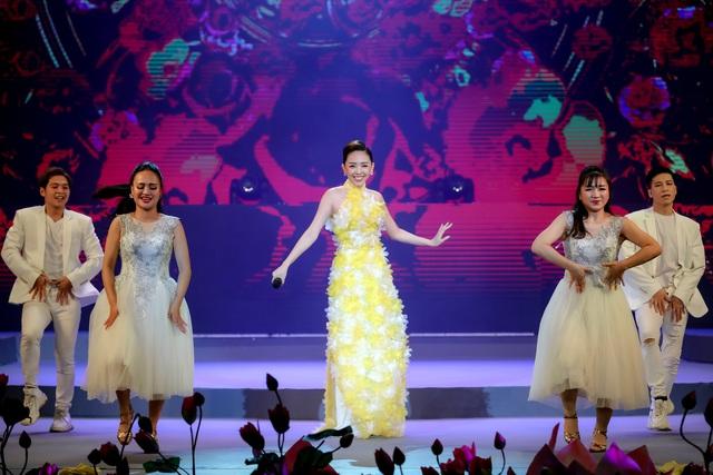 Ca sĩ Tóc Tiên tiết lộ bí quyết khi bị hỏi chuyện hôn nhân ngày Tết - Ảnh 2.