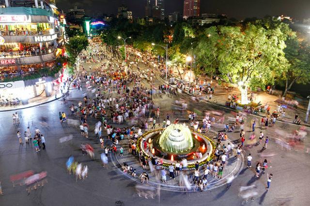 Hà Nội: Dừng tổ chức phố đi bộ hồ Hoàn Kiếm dịp Tết Canh Tý 2020 - Ảnh 1.