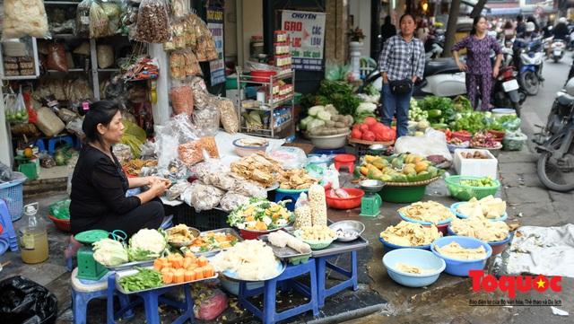 """Hà Nội: Đi """"chợ nhà giàu"""", 10 phút là sắm đủ mâm cỗ Tết - Ảnh 6."""