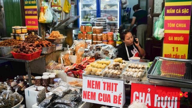 """Hà Nội: Đi """"chợ nhà giàu"""", 10 phút là sắm đủ mâm cỗ Tết - Ảnh 5."""