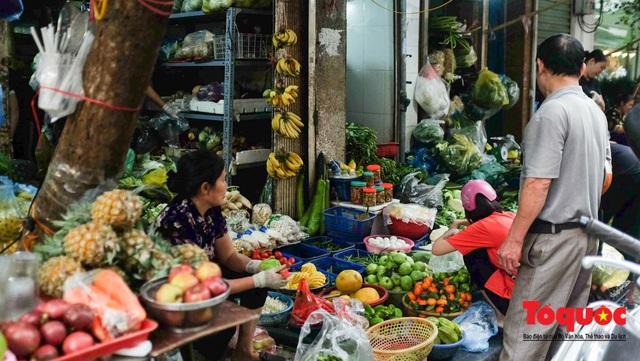 """Hà Nội: Đi """"chợ nhà giàu"""", 10 phút là sắm đủ mâm cỗ Tết - Ảnh 14."""