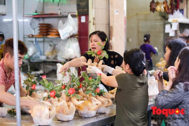 """Hà Nội: Đi """"chợ nhà giàu"""", 10 phút là sắm đủ mâm cỗ Tết - Ảnh 2."""