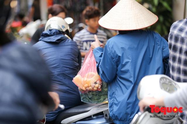 """Hà Nội: Đi """"chợ nhà giàu"""", 10 phút là sắm đủ mâm cỗ Tết - Ảnh 15."""