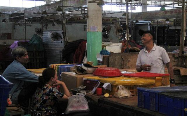 Chợ đầu mối lớn nhất Đà Nẵng đìu hiu trưa 30 Tết - Ảnh 2.