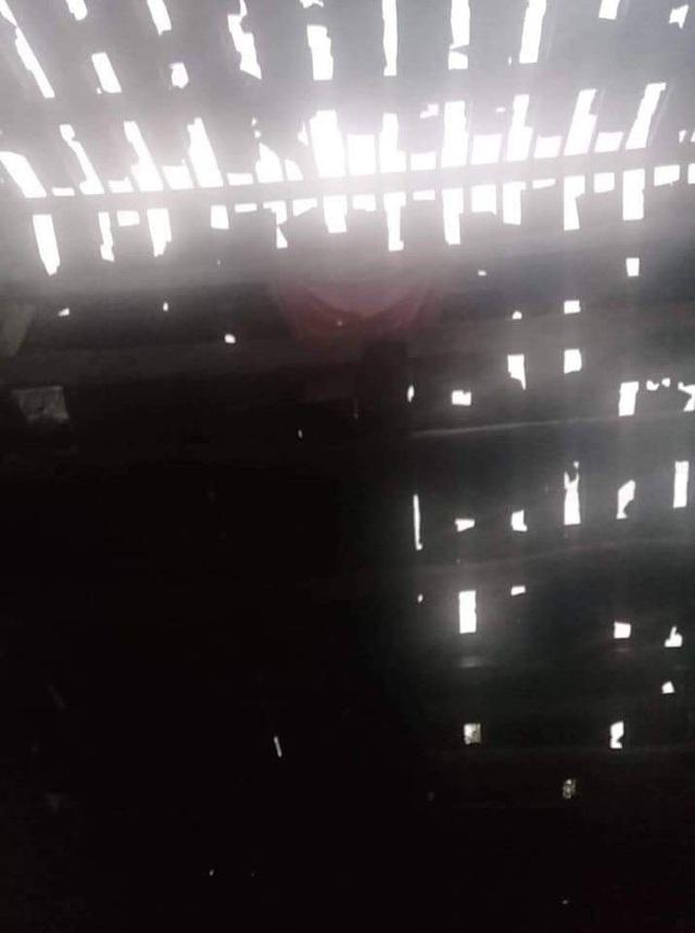 5.000 nhà hư hại, tốc mái trong đêm giao thừa do mưa đá, miền Bắc chuyển rét đậm - Ảnh 1.