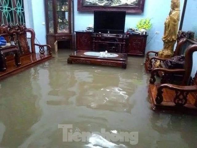 Nam Định ngập sâu, người dân 'thúc thủ' trong nhà ngày mùng 1 Tết - Ảnh 6.