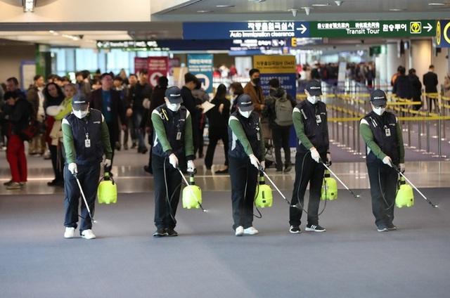 Lưu ý khẩn cấp của các sân bay trên thế giới để đối phó với virus Vũ Hán, hành khách đi máy bay trong thời gian này cần phải nắm vững - Ảnh 3.