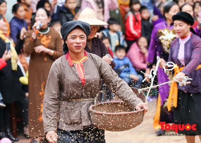 Lạ kỳ lễ hội trâu rơm, bò rạ ở đồng bằng sông Hồng - Ảnh 14.
