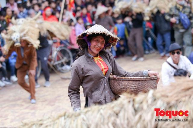 Lạ kỳ lễ hội trâu rơm, bò rạ ở đồng bằng sông Hồng - Ảnh 10.