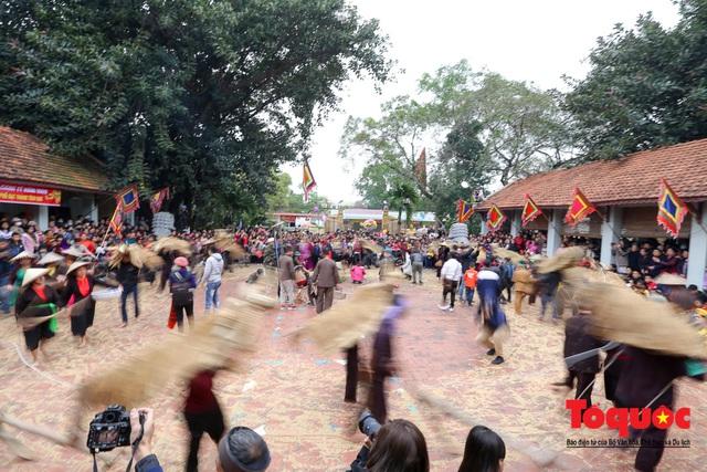 Lạ kỳ lễ hội trâu rơm, bò rạ ở đồng bằng sông Hồng - Ảnh 8.