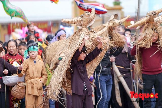 Lạ kỳ lễ hội trâu rơm, bò rạ ở đồng bằng sông Hồng - Ảnh 6.