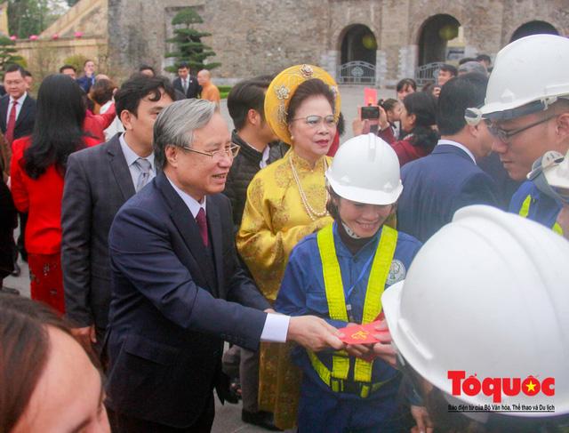 Lãnh đạo Đảng, Nhà nước, dâng hương, trồng cây đầu xuân tại Hoàng Thành Thăng Long - Ảnh 11.