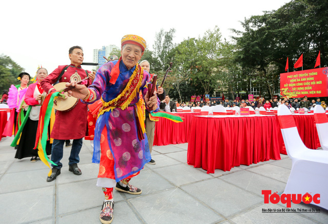 Người dân thủ đô tưng bừng khai hội gò Đống Đa Xuân Canh Tý 2020 - Ảnh 4.