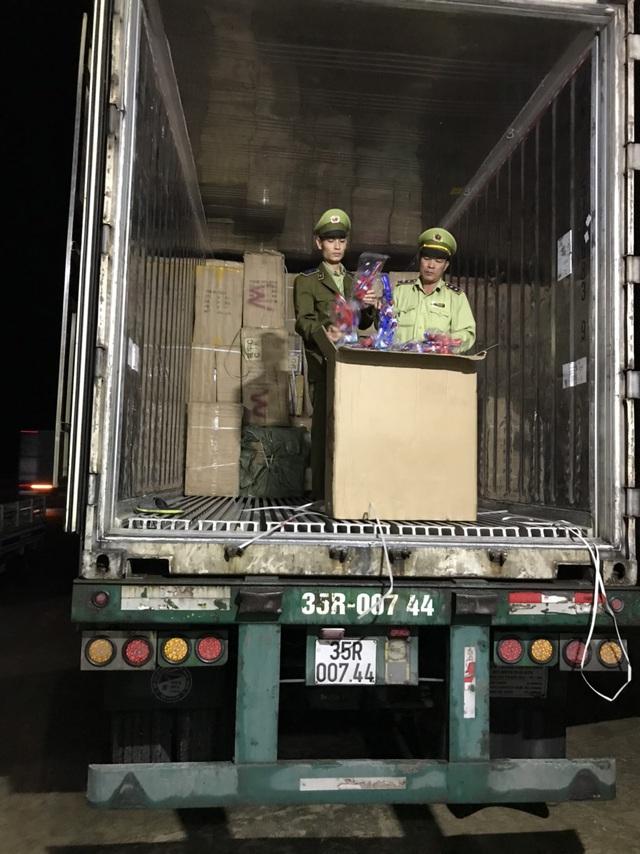 Quảng Bình: Phát hiện thu giữ lô hàng đồ chơi trẻ em trái quy định trị giá trên 400 triệu đồng - Ảnh 1.