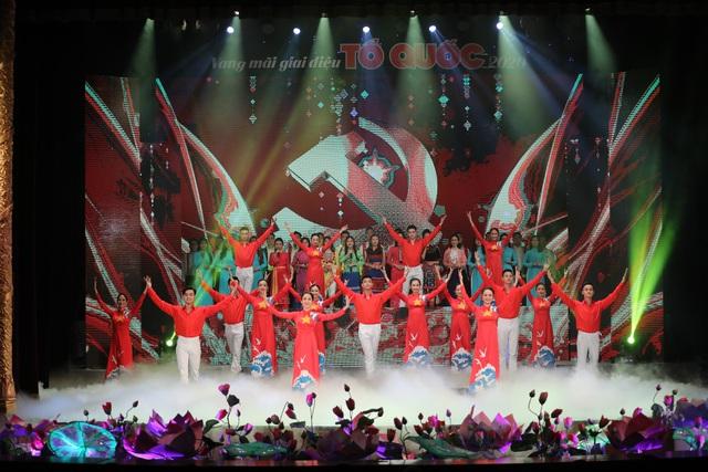 Vang mãi giai điệu Tổ Quốc 2020: Dâng Đảng những cung đàn mùa xuân - Ảnh 7.