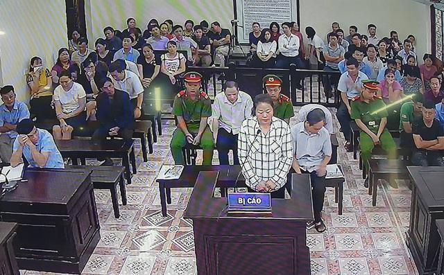 Hà Giang: Kỷ luật khiển trách 13 cán bộ, đảng viên liên quan đến gian lận thi cử  - Ảnh 1.