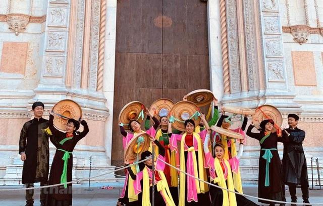 Ấn tượng Việt Nam tại lễ hội âm nhạc, nghệ thuật Dancin'BO - Ảnh 1.
