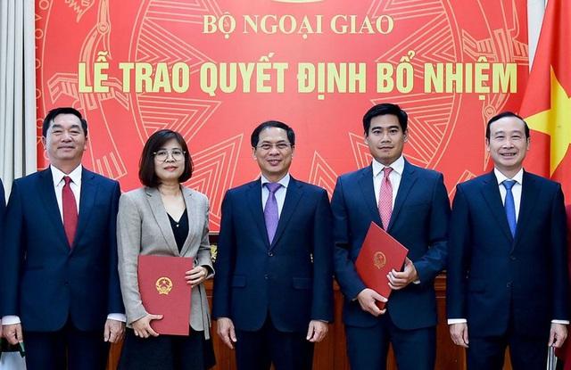 Nhân sự mới các Bộ: Ngoại giao, Nội vụ và GD-ĐT - Ảnh 1.