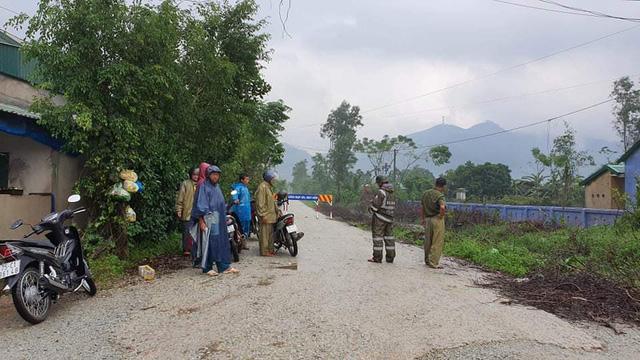 Huy động người và phương tiện tập trung cứu hộ tại thủy điện Rào Trăng 3 - Ảnh 3.