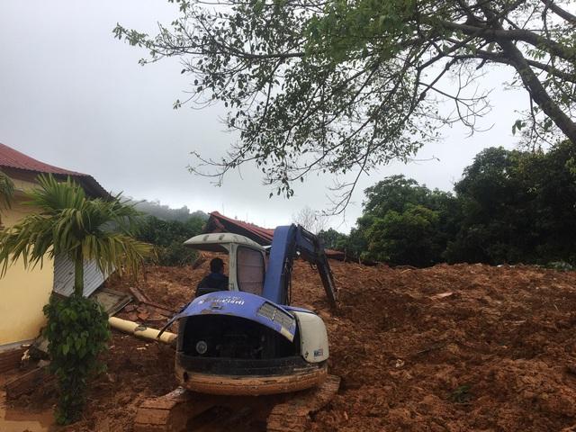 Sạt lở núi nghiêm trọng ở Quảng Trị: Đã tìm thấy những thi thể đầu tiên - Ảnh 6.