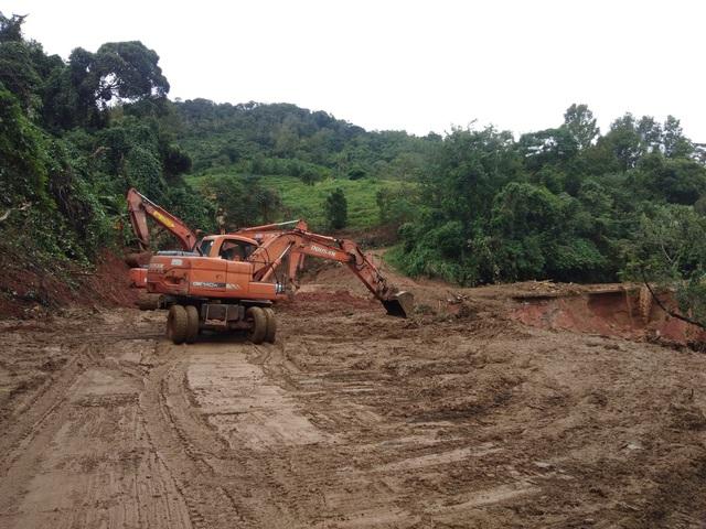 Sạt lở đất nghiêm trọng ở Quảng Trị: Đã tìm thấy 12 thi thể, trực thăng sẵn sàng tham gia cứu hộ - Ảnh 3.