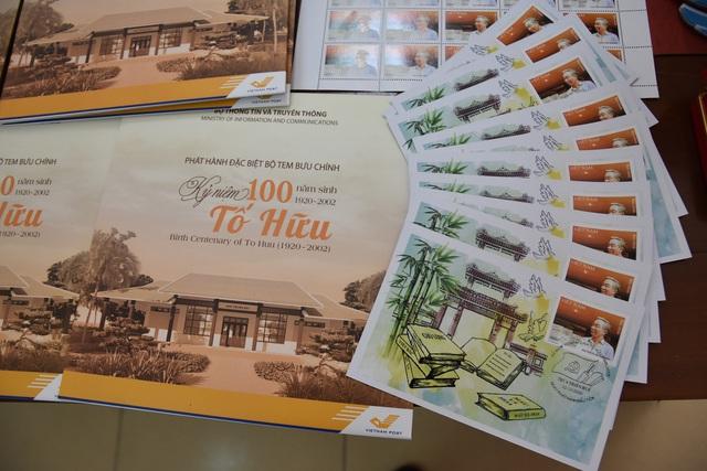 Phát hành tem bưu chính về nhà thơ Tố Hữu - Ảnh 2.