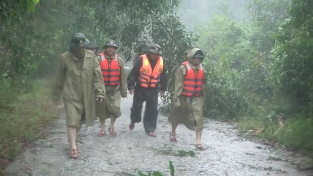 Phó Chủ tịch tỉnh kể giây phút kinh hoàng khi đoàn cứu hộ Rào Trăng 3 gặp nạn ở Tiểu khu 67 - Ảnh 1.