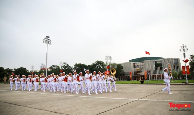 Lãnh đạo Đảng, Nhà nước vào Lăng viếng Chủ tịch Hồ Chí Minh - Ảnh 12.