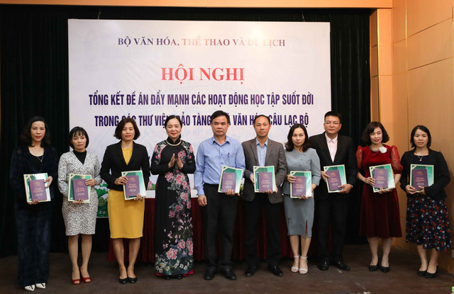 Thứ trưởng Trịnh Thị Thủy: Cần đẩy mạnh tuyên truyền để lan tỏa sâu rộng hơn nữa tinh thần học tập suốt đời - Ảnh 3.