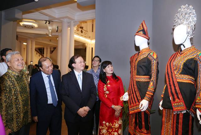 Ngắm trang phục truyền thống của các quốc gia ASEAN - Ảnh 4.