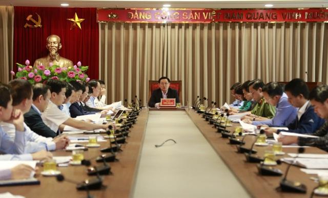 Bí thư Hà Nội: Xử lý vấn đề Khu liên hợp xử lý chất thải Sóc Sơn trên tinh thần tôn trọng pháp luật, không để trục lợi chính sách - Ảnh 1.