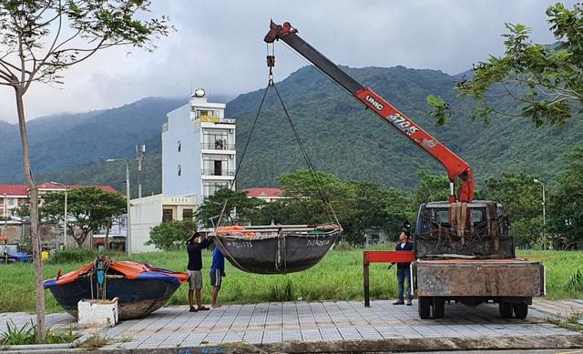 Người dân Đà Nẵng hối hả ứng phó bão số 9 - Ảnh 6.