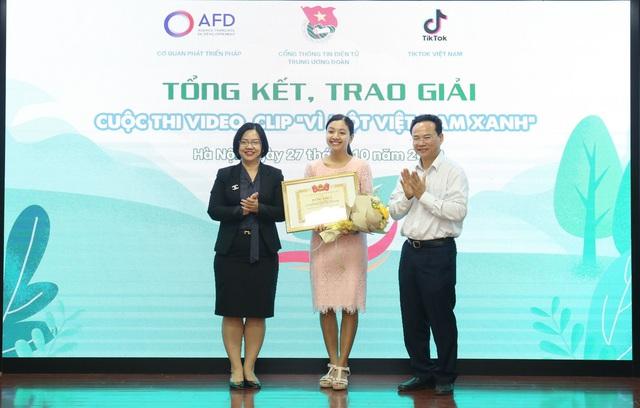 """Trao giải Cuộc thi """"Vì một Việt Nam xanh"""" - Ảnh 1."""