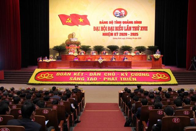 Quảng Bình: Phát triển du lịch thành ngành kinh tế mũi nhọn - Ảnh 1.