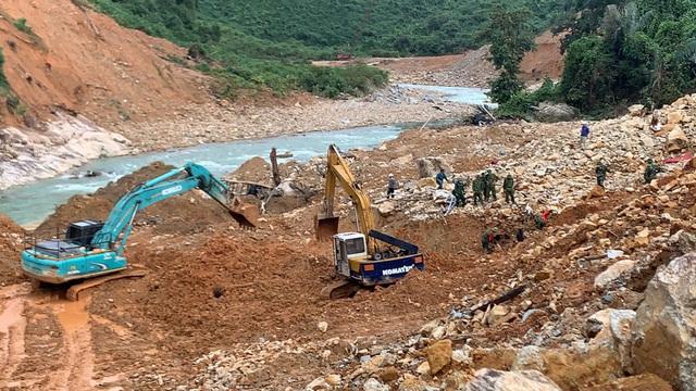 Triển khai trở lại việc tìm kiếm công nhân mất tích tại thủy điện Rào Trăng 3 - Ảnh 1.
