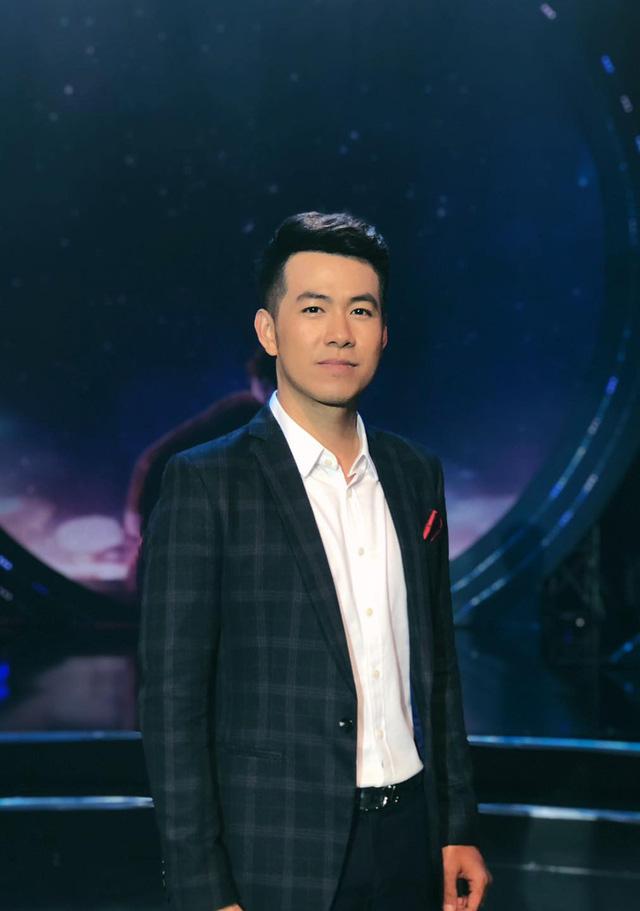 Đinh Hiền Anh và Mai Hoa xuất hiện trong đêm nhạc