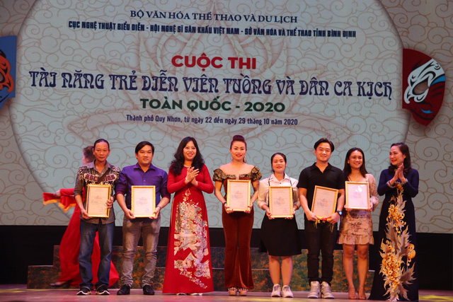 6 Huy chương Vàng được trao tại Cuộc thi Tài năng diễn viên Tuồng và Dân ca kịch toàn quốc 2020 - Ảnh 2.