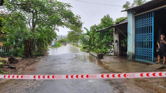 Học sinh Đà Nẵng nghỉ học từ trưa 8/10 do mưa lớn - Ảnh 1.