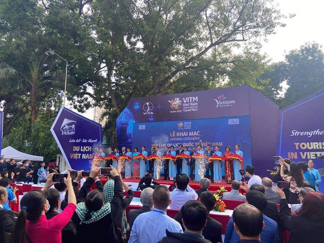 Thứ trưởng Nguyễn Văn Hùng: VITM 2020 là cơ hội động viên, thể hiện niềm tin và tinh thần đoàn kết vượt qua khó khăn của đại dịch Covid-19 - Ảnh 2.