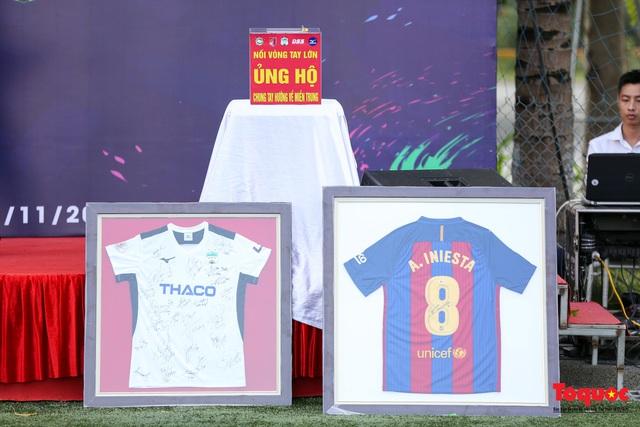 Dàn sao đình đám của bóng đá và showbiz Việt góp mặt ở giải đấu từ thiện vì miền Trung - Ảnh 21.