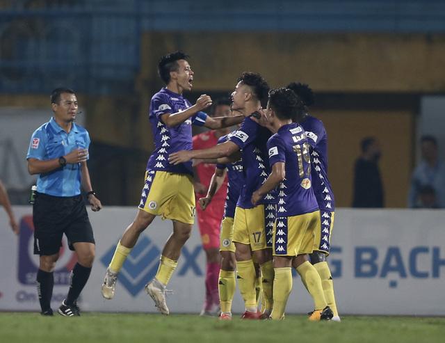 V-League 2021 sẽ giữ thể thức chia nhóm giống mùa giải trước - Ảnh 1.