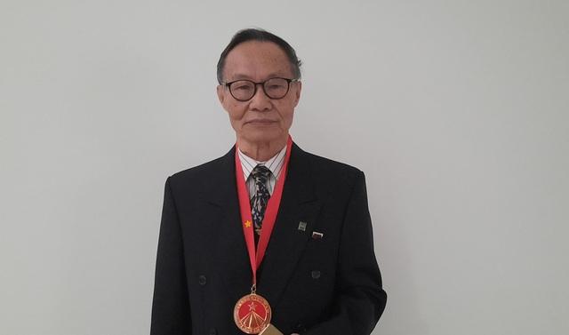 Nhà giáo Chu Mạnh Nguyên: Người truyền cảm hứng tự học khi hơn 70 tuổi nhận bằng Tiến sĩ - Ảnh 1.