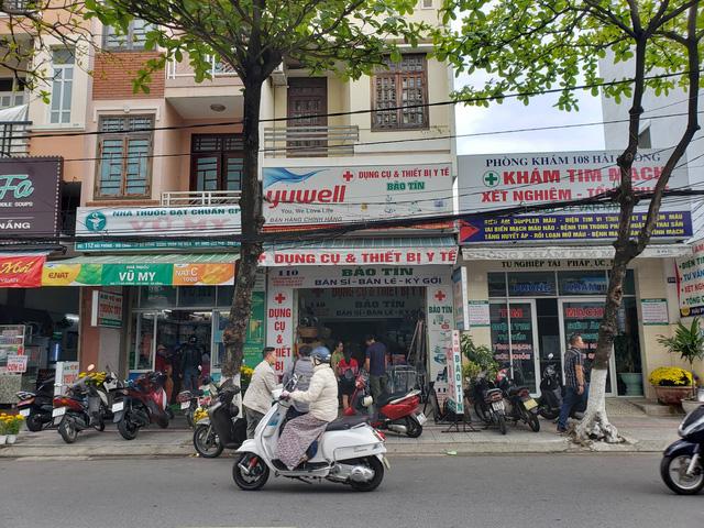 Phát hiện một cửa hàng thiết bị y tế ở Đà Nẵng không niêm yết giá, bán hàng giá cao, có dấu hiệu găm hàng  - Ảnh 4.