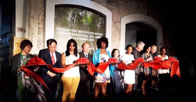 Biên bản chiến tranh 1-2-3-4.75 và diễn giả, nhà văn Nguyễn Quang Thiều được chào đón ở Cuba - Ảnh 2.