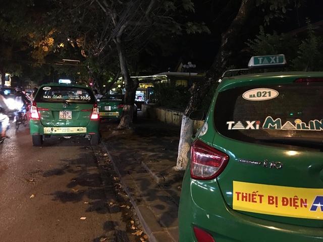 Quảng Nam: Lập đội xe taxi ưu tiên phục vụ vận chuyển khách du lịch nói tiếng Hoa ở Hội An  - Ảnh 1.