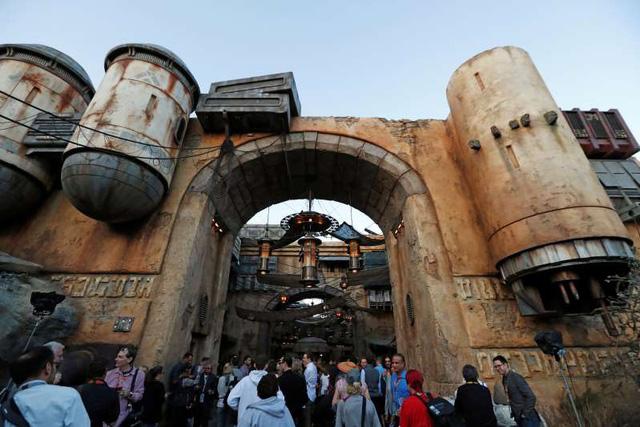 Lý do cộng đồng mạng đòi tẩy chay Disneyland và không muốn đến một lần nào nữa? - Ảnh 1.