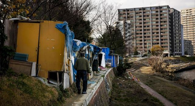 Trước thềm Olympic Tokyo 2020: Bất ngờ hình ảnh người vô gia cư hoang mang tìm chốn trú ẩn - Ảnh 7.