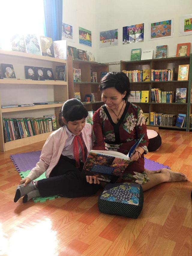 Hướng dẫn, hỗ trợ con trẻ đọc sách - Hoạt động cần được đẩy mạnh trong các gia đình - Ảnh 2.